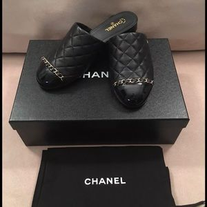 NIB Chanel Quilted Chain Mules Sz 37